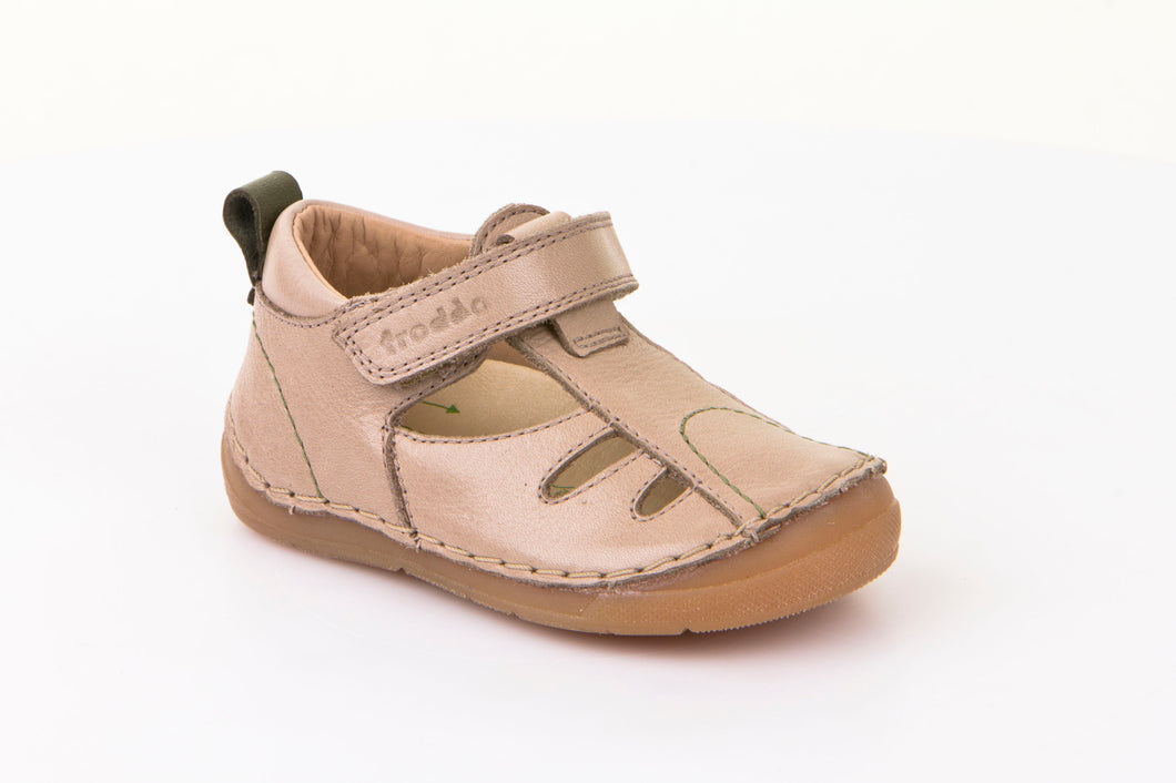 Froddo Closed Toe Sandal, Champayne - G2150075-5