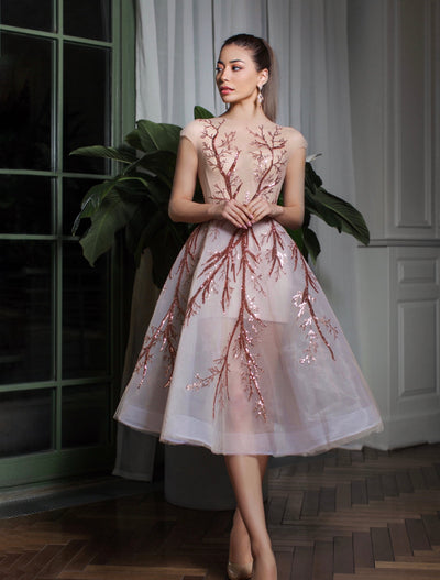 Short Sleeve Tulle Midi Dress Decorated with Trees