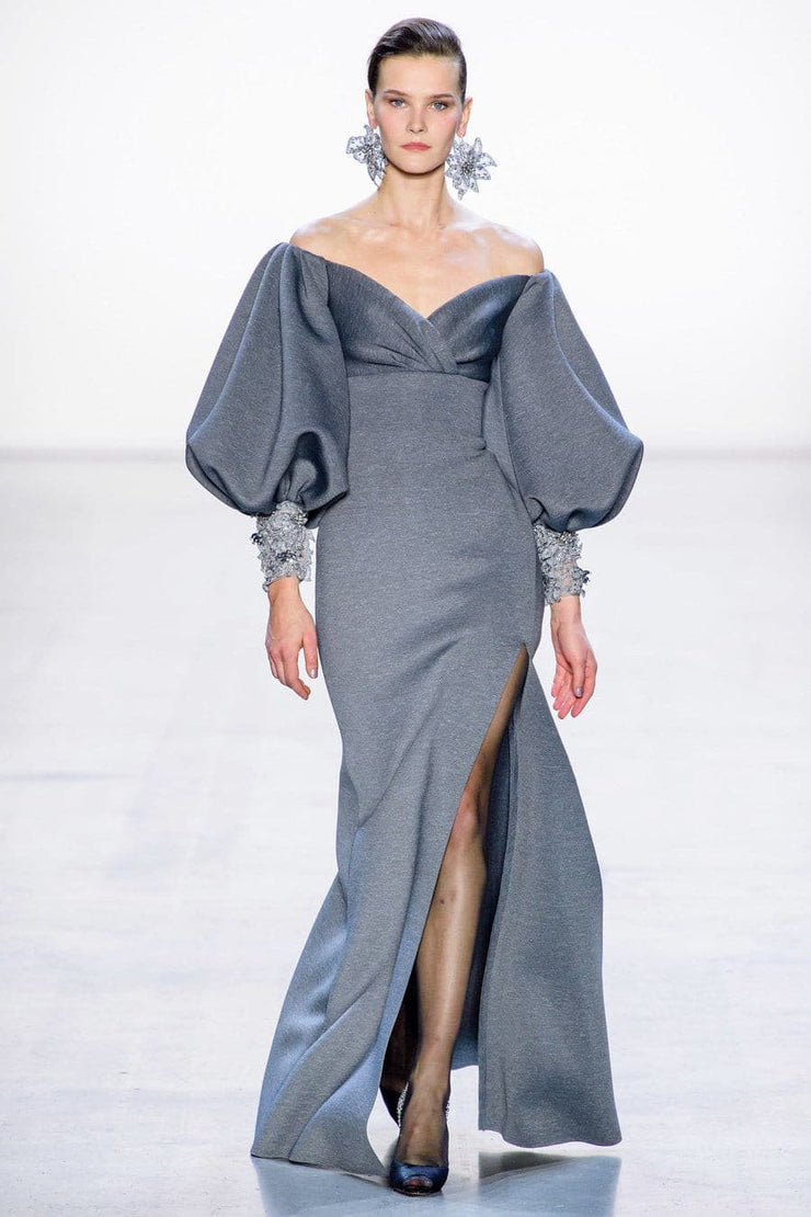 Remarkable long-sleeved gown with retro