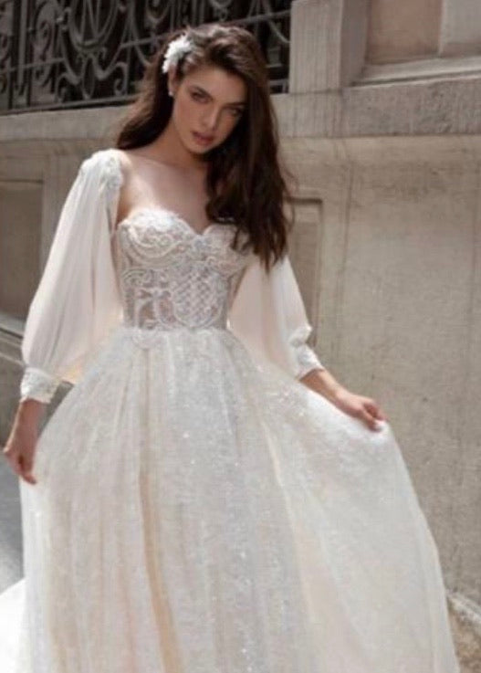 A-line bridal dress with puffy sleeves
