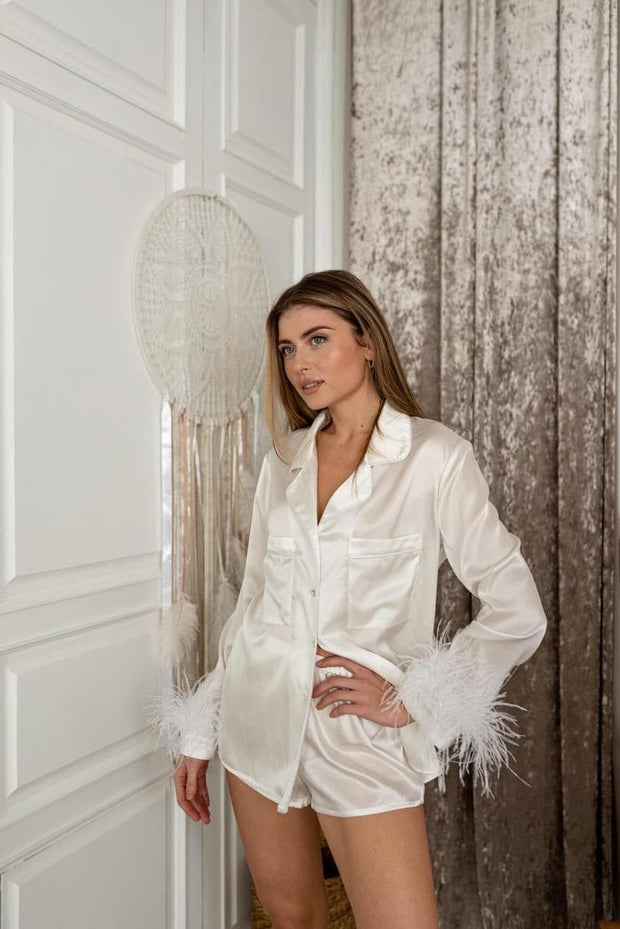 White feathers pyjama set