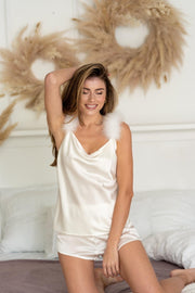pajama set made of silk with feather trim