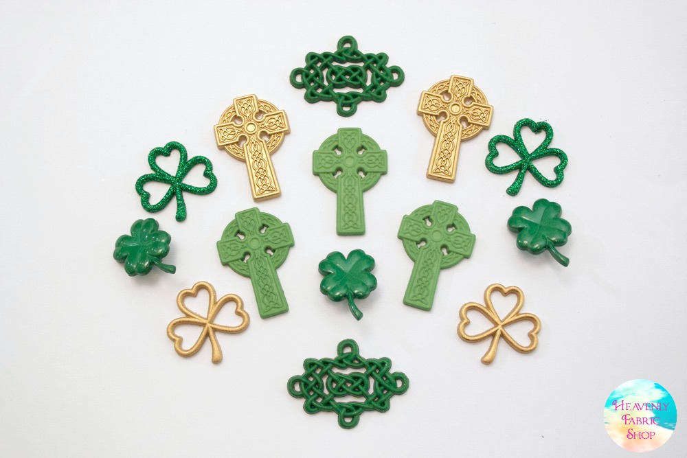 Saint Patrick's Day Erin Go Bragh Celtic Buttons and Charms Set
