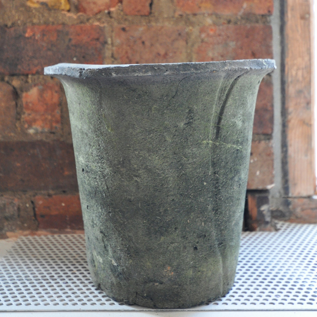 Anthracite Medium Flower Pot With Moss Effect