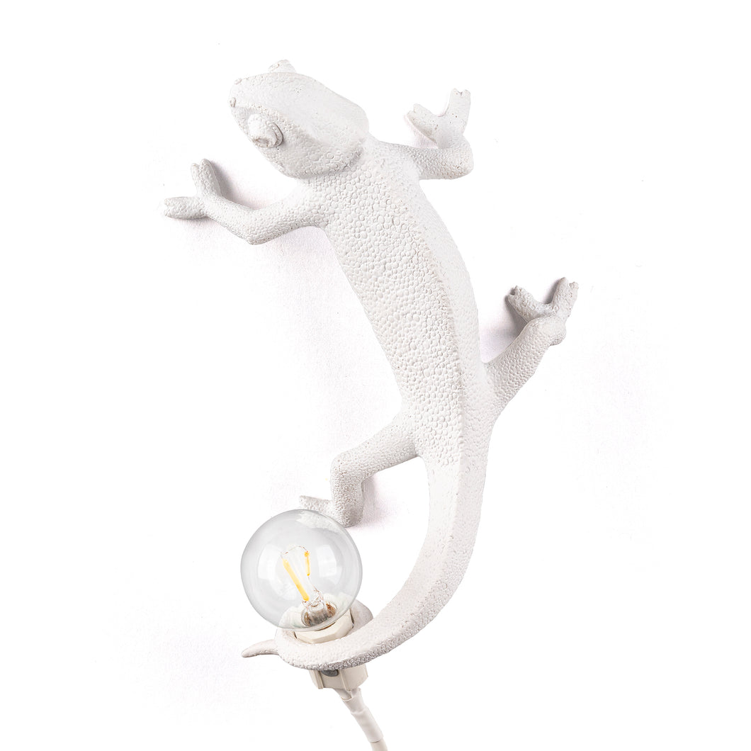 Climbing Up Chameleon Wall Lamp