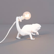 Load image into Gallery viewer, Chameleon Table Lamp