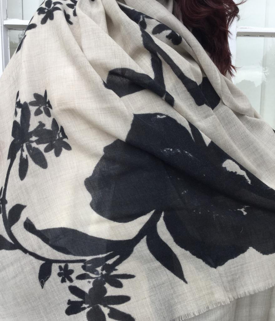 fine wool black flower shawl