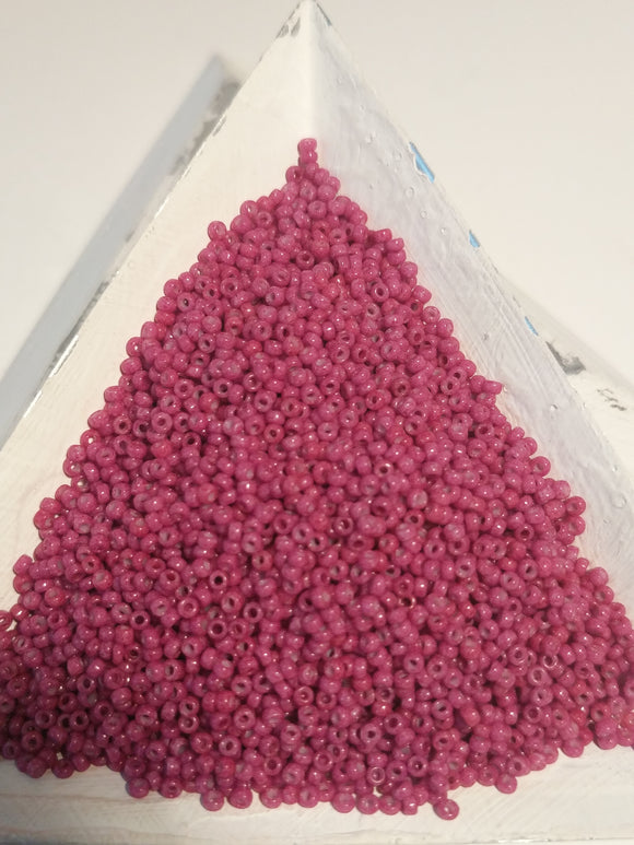 #418B Japanese seed bead size15/0