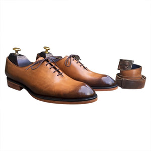 Casual light brown Oxford shoes and belt for men