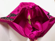Load image into Gallery viewer, Vogelkop fuchsia  bag