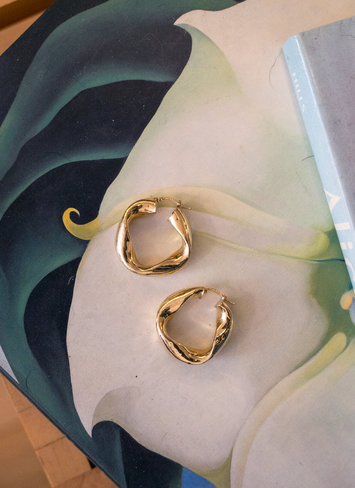 load image into gallery viewer, gold hoops 23