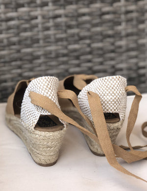 load image into gallery viewer, chueca espadrille - toasted