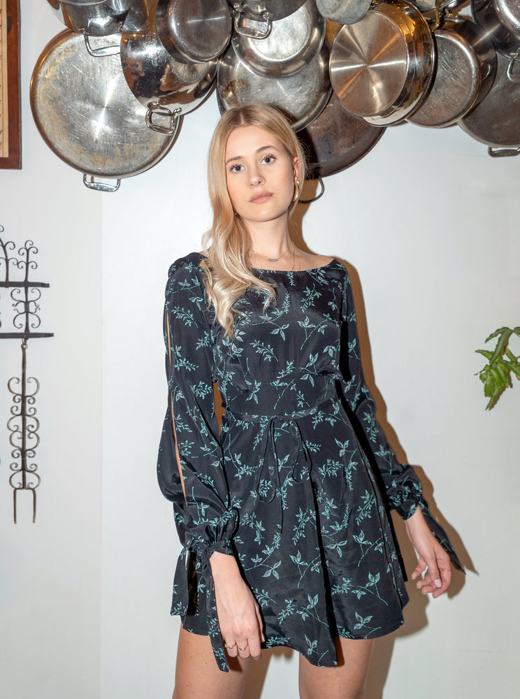 load image into gallery viewer, sydney dress - black floral