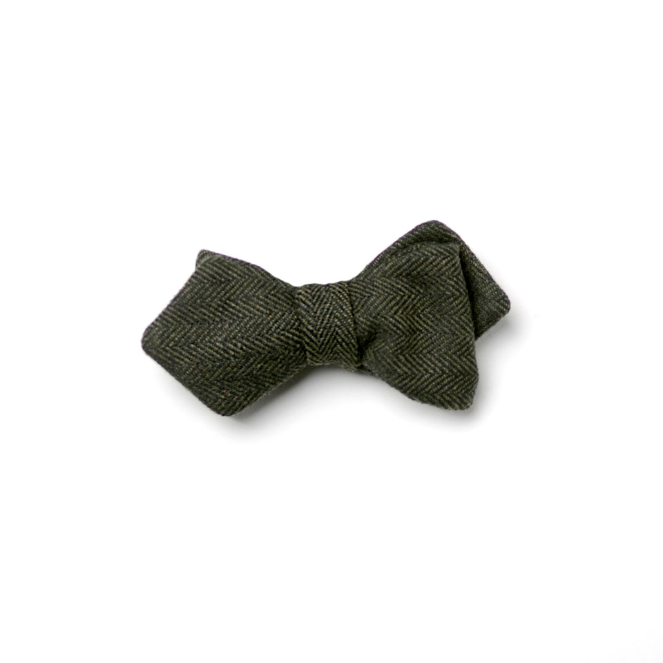 Curie bow tie