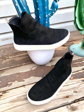 The Rolla Sneaker by Very G {Black}