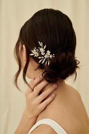 Small cluster hairpins, bridal hair accessory with small crystal clusters, pearls, and seed beads