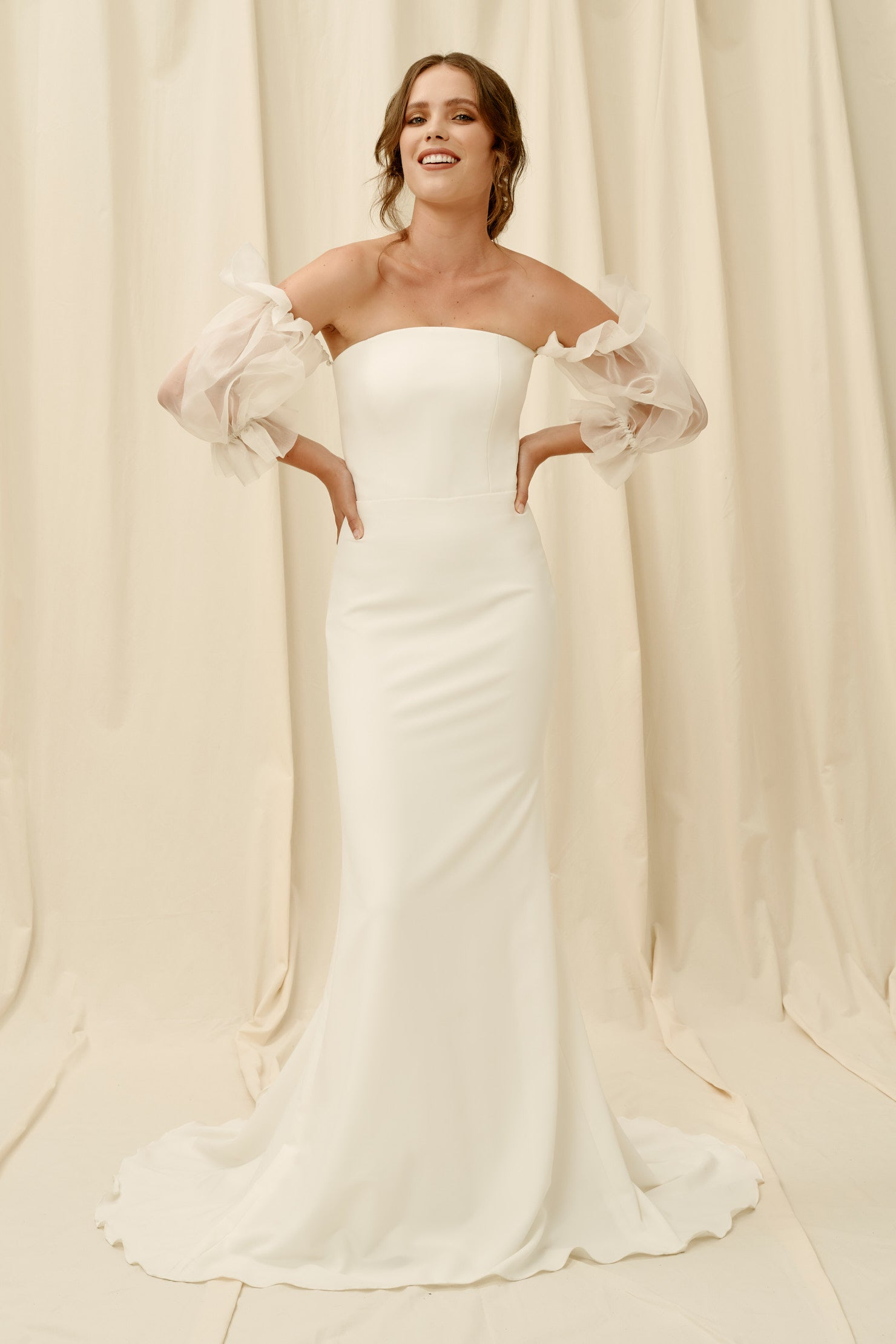 Sheer puff sleeve wedding dress