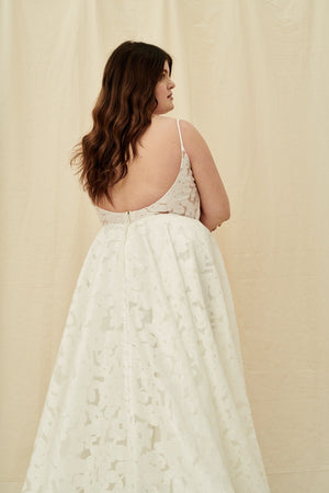 Where to find plus size wedding dresses in Vancouver and Calgary