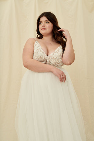 Affordable curvy wedding dresses in Vancouver and Calgary