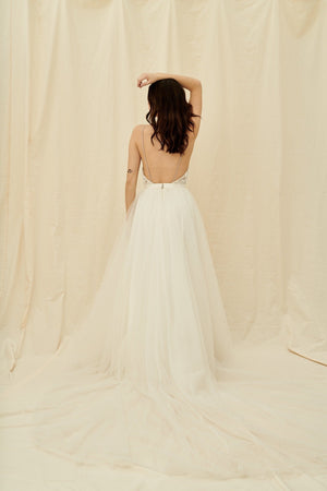 Where to buy affordable wedding dresses in Vancouver and Calgary
