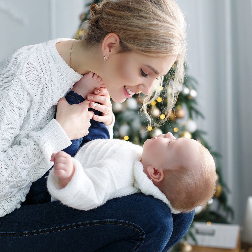 KICK OFF THE HOLIDAY SEASON WITH EASE: ADVICE FOR NEW MOMS