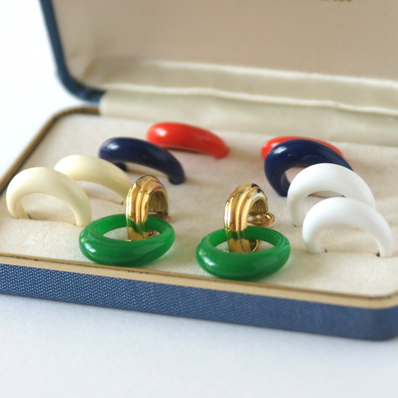 1950s Vintage Trifari Interchangeable Hoop Drop Clip-On Earrings