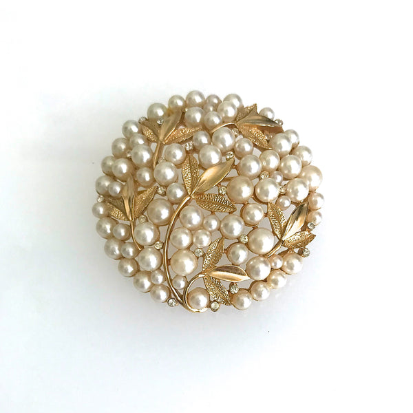 Trifari 1950s round gold plated and pearl brooch