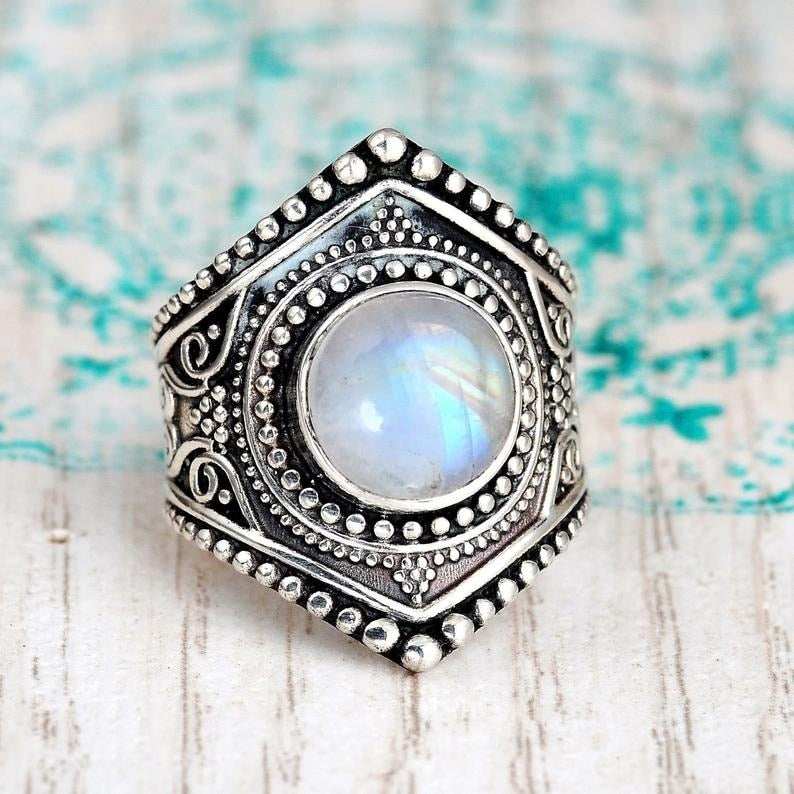 Luxury Vintage Moonstone Banquet ring