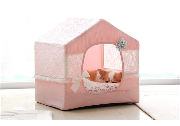 Pretty Lace House - Pink