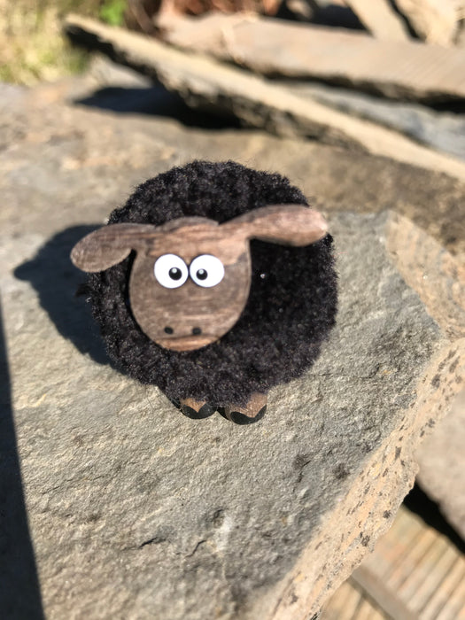 Peedie black woolley sheep £3.95