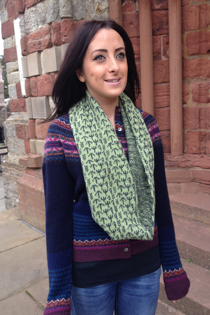 Annie Glue Two Colour Green Runic Snood