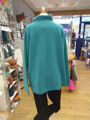 Eribe Corry Raglan Pullover Yes Trim- Colour Shamrock £120.00