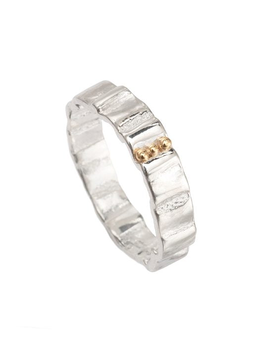 20% OFF Zoe Davidson Spring Tide Silver Ring With Gold Pebbles WAS £88.00 NOW £70.00