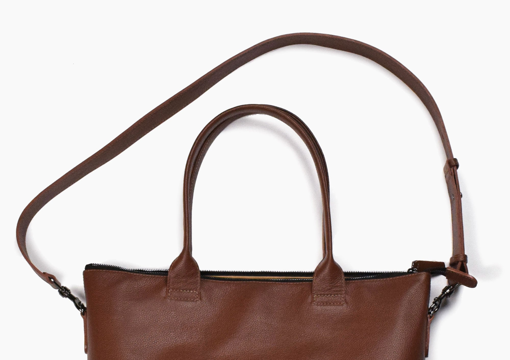 Daame tote strap highlights
