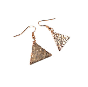 Boucles d'oreille en triangle - Tilda   Boucles d'oreille Mercy's Fancy
