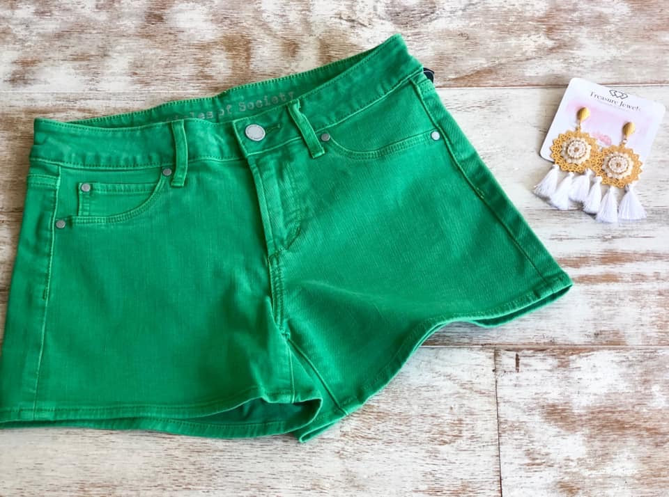 Articles shorts green