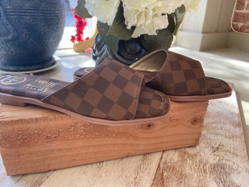Checker print sandal brown