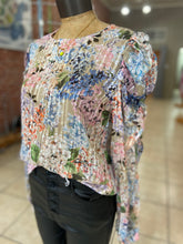 Load image into Gallery viewer, Silky floral top