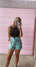Load image into Gallery viewer, PRESLEY BELTED SHORTS