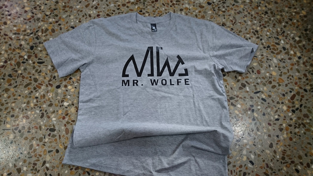 MR WOLFE TRADITIONAL TEE - BLACK ON GREY