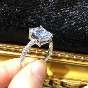 The Crystal Image Ring