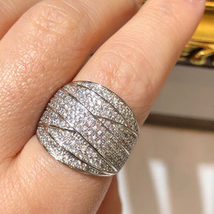 The Lavish Hymn Ring