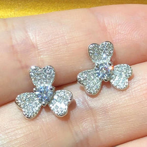 Tiviss Sparkling Clover Pierced Stud Earrings