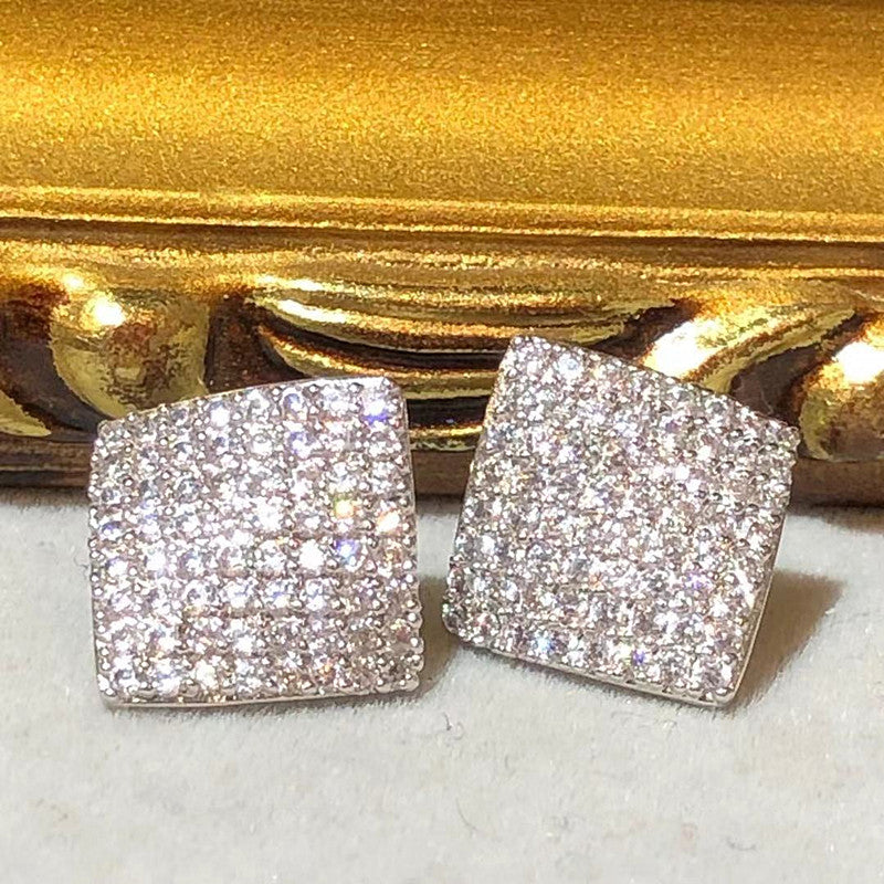 Tiviss Sparkling 3D Cube Pierced Stud Earrings