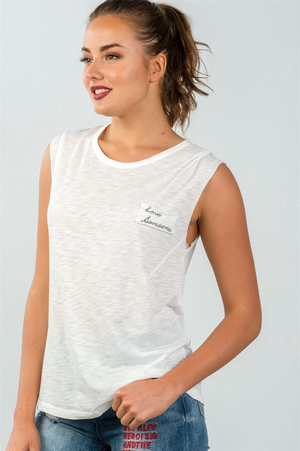 """Love Someone"" Graphic Flowy Tee - FashCity"