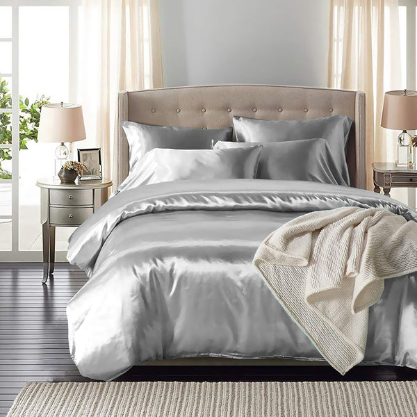 DreamZ Silk Satin Quilt Duvet Cover Set in Queen Size in Silver Colour