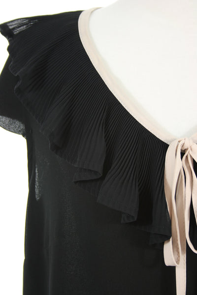 pleated collar tank detail