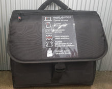 SALE!!! IT Luggage Wall Street Messenger Bag