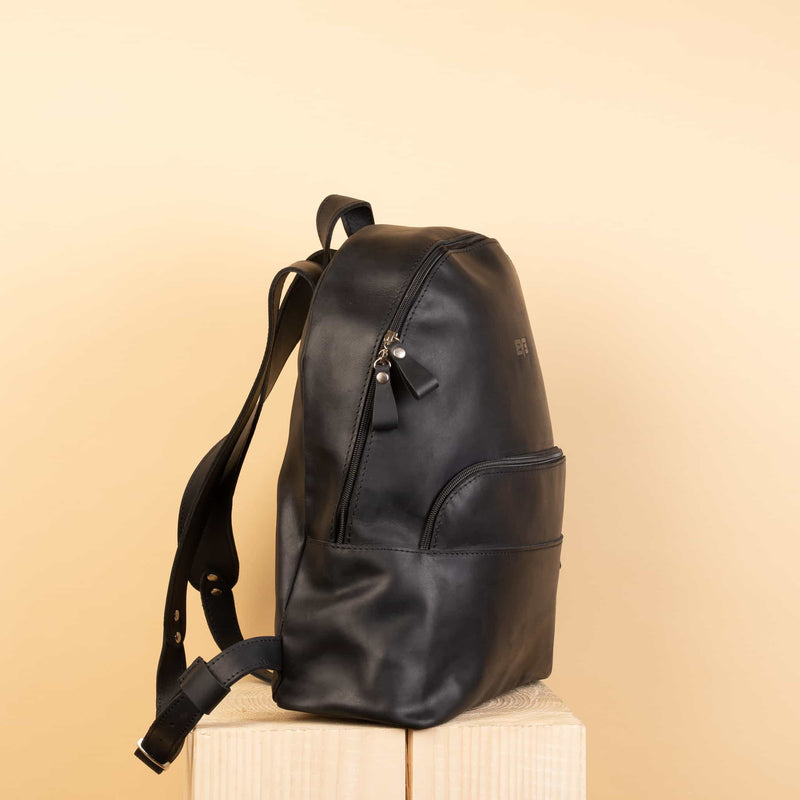 premium quality Classic Rucksack with one zipper pocket