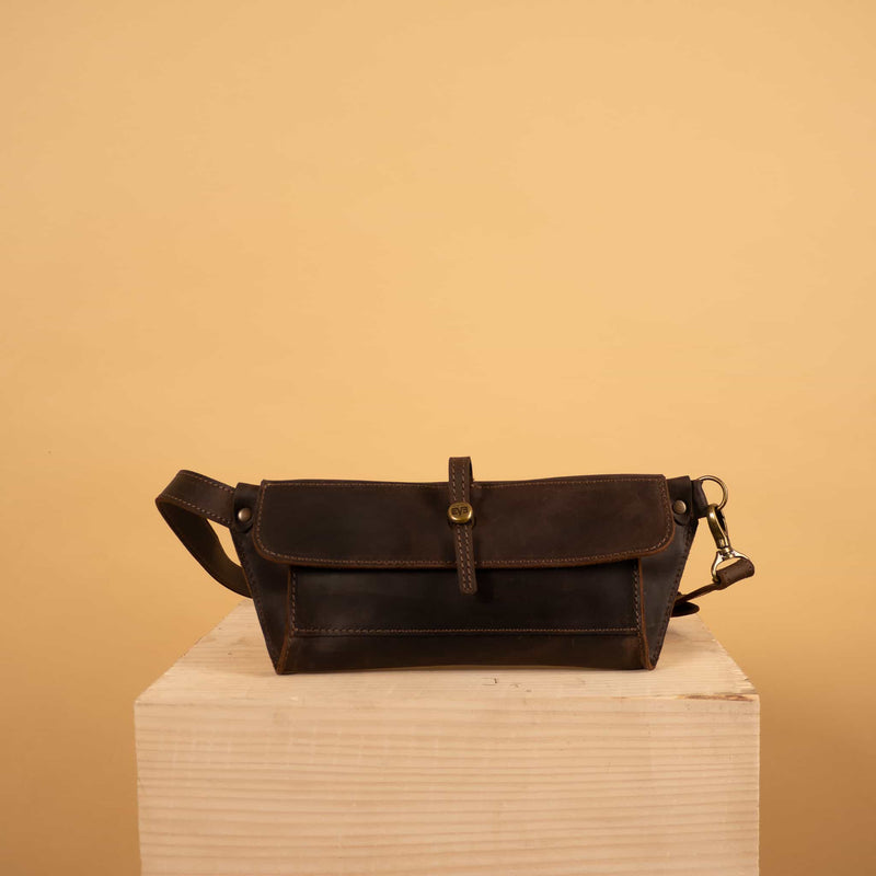 Classic leather waist bag